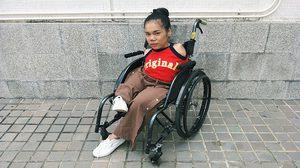 กำลังใจจากคนที่ขาด ส่งให้คนที่มีครบ น้องฝ้าย บุญธิดา เด็กหญิงสู้ชีวิต ใช้เท้าแต่งหน้า