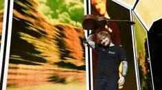 สมบูรณ์แบบ! Ed Sheeran ส่ง 'Perfect' ทะยานครองแชมป์เพลงฮิตที่เมืองไทย