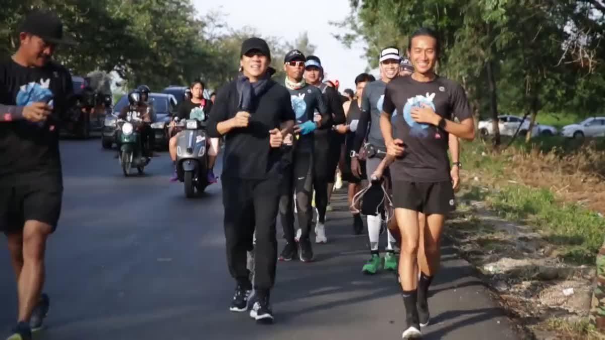 บรรยากาศ ตูน บอดี้สแลม วิ่งการกุศล ก้าวคนละก้าว วันที่เก้า