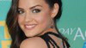 lucy hale กับเดรสสั้นสวย ชวนหวิว ในงาน Teen Choice Awards 2011