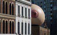 จะเกิดอะไรขึ้น เมื่อ บอลลูน หัวนม (สีชมพู) โผล่ใจกลางกรุงลอนดอน