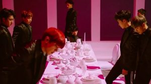 EXO เผยลุคสุดสตรอง! ในทีเซอร์เพลงใหม่ Monster