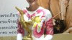 มะนาว ศรศิลป์ – หญิง กัญญาพัชญ์ สุดภูมิใจ รับรางวัล คนไทยตัวอย่าง ประจำปี 2557