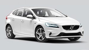 Volvo นำเสนอ V40 T4 Dynamic Edition รุ่นใหม่ล่าสุด ตอกย้ำความสำเร็จของยานยนต์ตระกูล V40 ราคา1.69 ล้านบาท