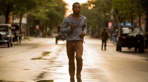 ให้เหมือนที่สุด! สเตฟาน เจมส์ ฝึกกรีฑากับโค้ชทีมชาติ เพื่อเป็น เจสซี โอเวนส์ ใน Race ต้องกล้าวิ่ง