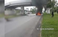 รัฐบาลตามหาฮีโร่ ช่วย 4 ชีวิต รอดไฟลุกท่วมรถ