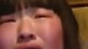 นิสัย! ไหวป่ะ สาวจีน คลั่งรัก โวย ถูกพ่อแม่ลักพาตัว (มีคลิป)