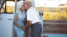 57 ปี รักเราไม่เก่าเลย กับภาพหวาน คู่รัก ตายาย ถ่ายภาพฉลองใน ธีม The Notebook