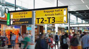 สนามบิน และบนเครื่องบิน