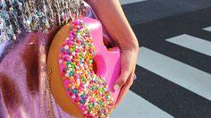 โอ๊ย!! เทรนด์แฟชั่น 'กระเป๋า' แนวไหนกันเนี่ย เห็นแล้วหิวเลย