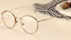 การใส่และถอดแว่นตา แบบถูกวิธี - วิธีดูแลรักษาแว่นตา