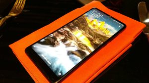 Xiaomi Mi Mix 2 สมาร์ทโฟนรุ่นท็อป ราคาประหยัด เปิดราคาไทย 17,990 บาท