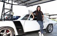 ยุ้ย กันธิชา นางงามคลั่งความแรงผู้ครอบครองมัสเซิลคาร์พันธุ์โหด Chevrolet Camaro Z28