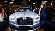 """Rolls-Royce"" จับมือ ""VATANIKA"" โชว์ยนตรกรรมสุดหรู พร้อมแฟชั่นโชว์ภายใต้แนวคิด ""Strive for Perfection"""