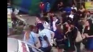 ระทึก! รถเมล์เบรคแตกพุ่งชนร้านค้า – รถประชาชนพังยับ คนเจ็บนับสิบราย