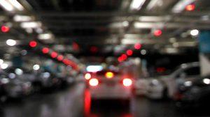 เสียงเอี๊ยดอ๊าดเวลาขับรถขึ้น ลานจอดในห้าง เกิดจากสาเหตุอะไร?