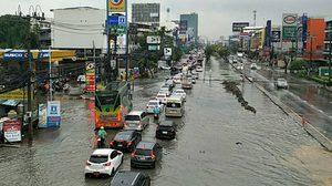 สรุป 6 จุด น้ำท่วมขังรอการระบาย หลังฝนถล่มกรุง!