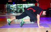 Plank: Knees to Elbows ออกกำลังกาย เน้นแกนกลางลำตัว