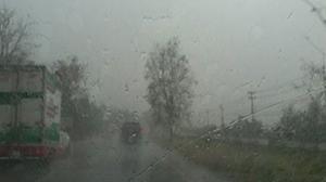 อุตุฯ เตือน!! 4-7 พ.ค. ไทยตอนบนจะเกิดพายุฤดูร้อน ขอประชาชนหลีกเลี่ยงที่โล่งแจ้ง