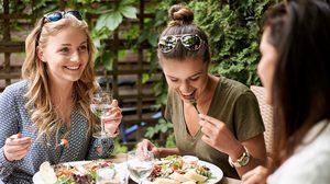 กินอย่างไรให้ได้สารอาหารครบถ้วน และอยู่ในปริมาณที่เหมาะสม