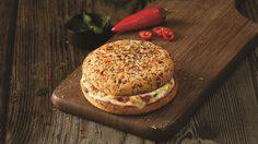 เบอร์เกอร์พิซซ่า จาก Domino's Pizza อาหารจานด่วนรูปแบบใหม่จากอินเดีย