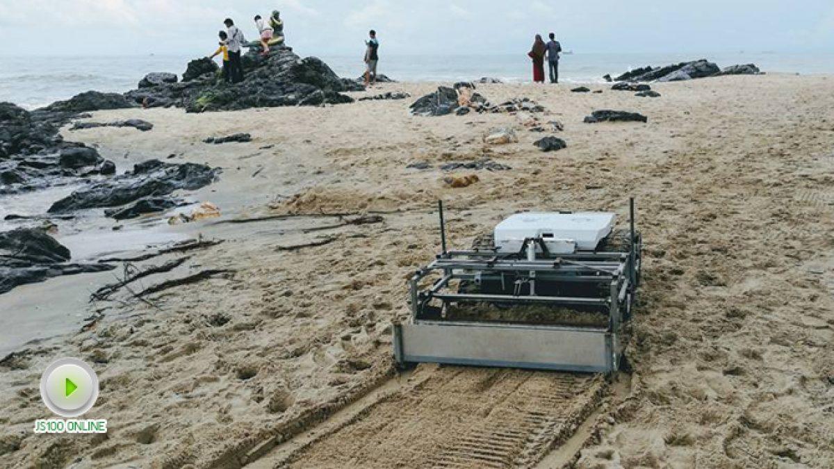 หุ่นยนต์เก็บขยะริมชายหาด (13-11-60)