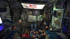 240 ไมล์เหนือพื้นโลก!! ลูกเรือสถานีอวกาศนานาชาติ กำลังชมภาพยนตร์ Star Wars