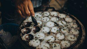 สูตร ขนมครก ขนมไทยโบราณอยู่คู่ซอยมาช้านาน