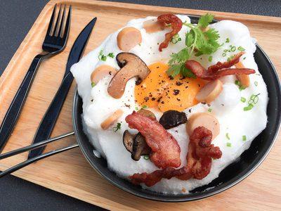 ไข่กระทะ อาหารเช้าทำเองได้ง่าย ๆ
