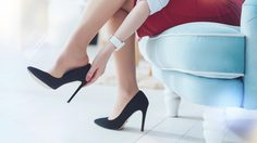 9 เคล็ดลับ ใส่รองเท้าส้นสูงอย่างไร ให้หายจากอาการปวดเท้า