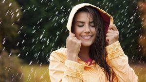 หน้าฝน กับ 6 ไอเท็ม ที่สาวๆ ห้ามพลาด