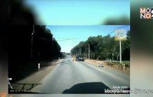เด็กหญิงพลัดตกลงรถนักเรียน จ.ยะลา ยังสาหัส