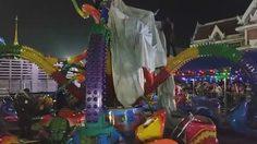 สุดระทึก !'เครื่องเล่นหมึกยักษ์'พังถล่ม กลางงานเจดีย์เมืองปากน้ำ