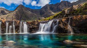 สระว่ายน้ำนางฟ้า (Fairy Pools) สวยสงบ ท่ามกลางขุนเขาสกอตแลนด์