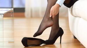 ใส่รองเท้าส้นสูงบ่อยต้องฟัง! 3 ท่าบริหาร คลายอาการปวดเมื่อยกล้ามเนื้อ