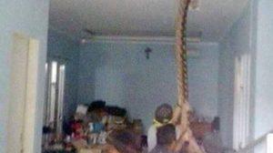 ผวาหนัก! ชาวเน็ตแห่แชร์ งูเหลือมยักษ์ โผล่ฝ้าเพดานบ้าน