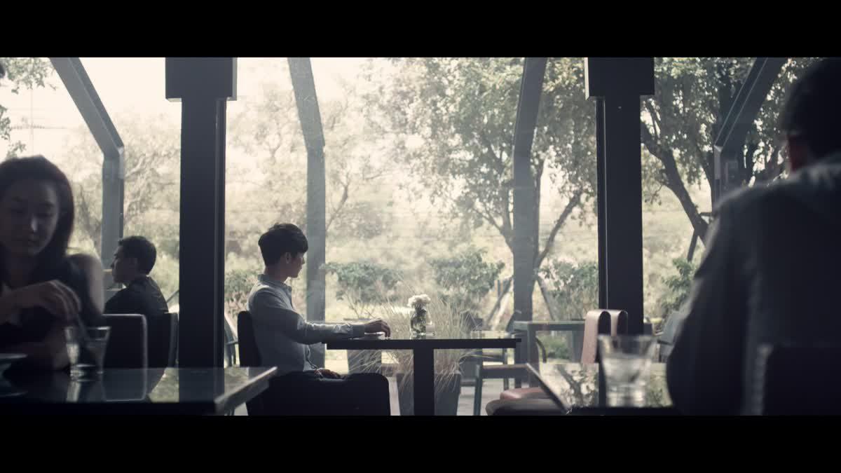 รักอยู่ (Love's Still Here) - หนึ่ง อภิวัฒน์ [Official MV]