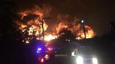 ด่วน!! เกิดเหตุไฟไหม้โรงงานย่านบางหัวเสือ จนท.กำลังเร่งดับ