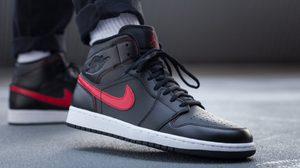 Nike Air Jordan 1 Mid Black&Red สีดำสุดคลาสสิค ใส่ได้หล่อๆ กับทุกชุด