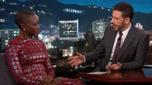Jimmy Kimmel เปิดคลิปจาก Black Panther เผยให้เห็น โอโคเย หยุดรถศัตรูได้ในหอกเดียว