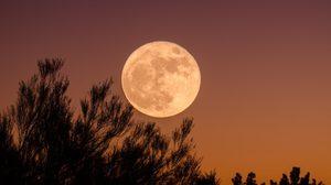 ตั้งชื่อเพราะๆ ชื่อที่มีความหมายเกี่ยวกับ ดวงจันทร์ - พระจันทร์