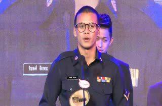 [HD] ศุภวุฒิ - ชนาธิป - จิระพงศ์ ได้รับรางวัล MThai Top Talk Sportman 2014