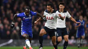 LONDON, ENGLAND - NOVEMBER 26:  Victor Moses of Chelsea and Mousa Dembele of Tottenham Hotspur compete for the ball during the Premier League match between Chelsea and Tottenham Hotspur at Stamford Bridge on November 26, 2016 in London, England.  (Photo by Shaun Botterill/Getty Images)