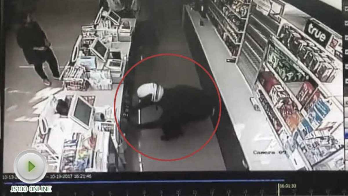 โจรบุกเดี่ยวใช้เวลา 45 วิ ปล้นร้านสะดวกซื้อ (20-10-60)
