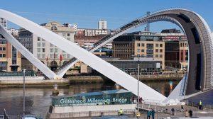 สะพานโค้งสุดไฮเทค! เกทเฮด มิลเลนเนียม แห่งอังกฤษ