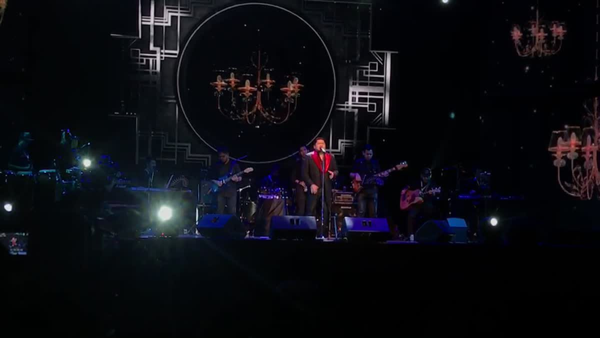 เบน นำทีม บีไฟว์ ขนเพลงฮิตโชว์เต็มอิ่มในคอนเสิร์ต GSB 2 TONE CONCERT