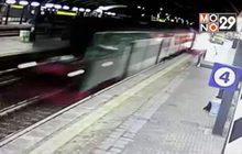 วินาทีรถไฟตกรางในอิตาลี