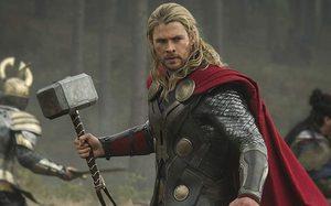 คริส เฮมส์เวิร์ธ รีวิวสั้น ๆ หนัง Thor สองภาคแรก และความรู้สึกหลังแสดง Thor: Ragnarok