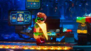 """ไปดูกันในคลิปว่าชุดไหนที่จะเหมาะกับโรบิน ใน """"The LEGO Batman Movie"""""""