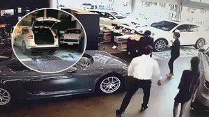 คนมันรวย!! หนุ่มไต้หวันขับ Porsche พุ่งชนโชว์รูม เพราะไม่ได้ออฟชั่นซุปเปอร์คาร์ตามที่สั่ง